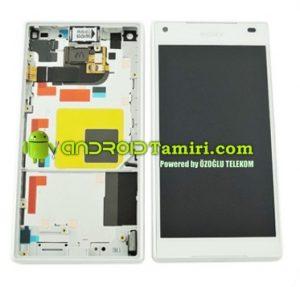 Z5 Compact Ekran